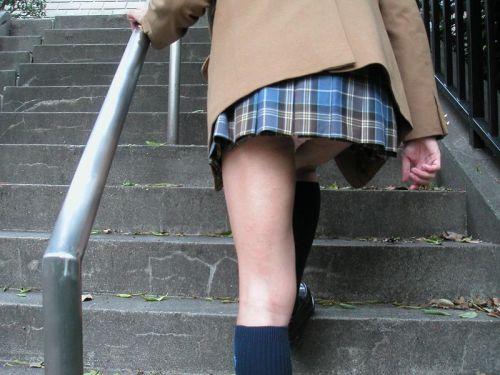 女子校生の階段パンチラ画像がエロ過ぎワロリンww 31枚 No.17