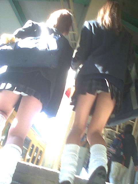 女子校生の階段パンチラ画像がエロ過ぎワロリンww 31枚 No.28