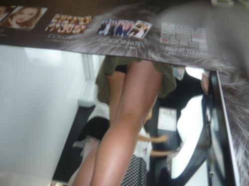 【盗撮画像】プリクラでミニスカギャルたちを逆さ撮りした結果www 38枚 No.26