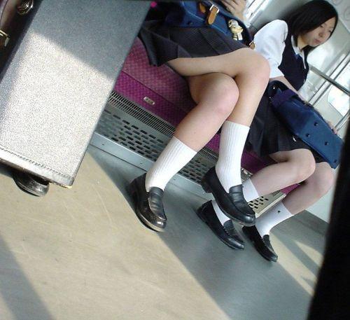 電車で座ってるJKのエッチな太ももを楽しむ盗撮画像見ちゃう? 36枚 part.12 No.30