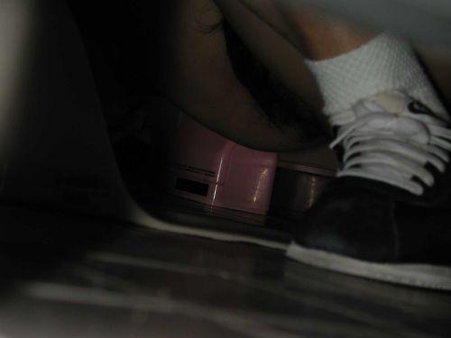 【画像】和式トイレで盗撮したOLお姉さんのまんこ周りがエロ過ぎる 35枚 No.22