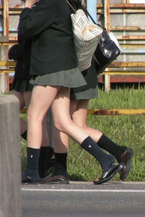 【エロ画像】JKの生脚・太ももが好き過ぎる奴ちょっと来い! No.9
