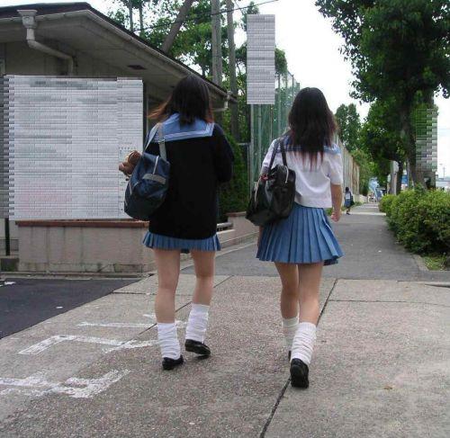 【エロ画像】JKの生脚・太ももが好き過ぎる奴ちょっと来い! No.13
