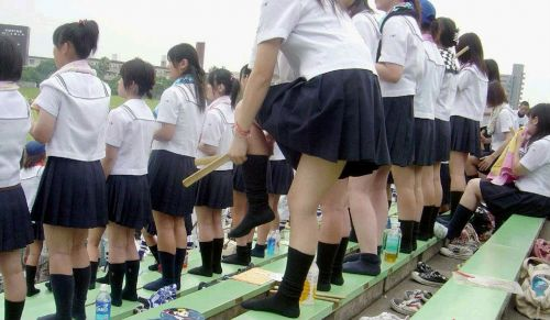 【エロ画像】JKの生脚・太ももが好き過ぎる奴ちょっと来い! No.14