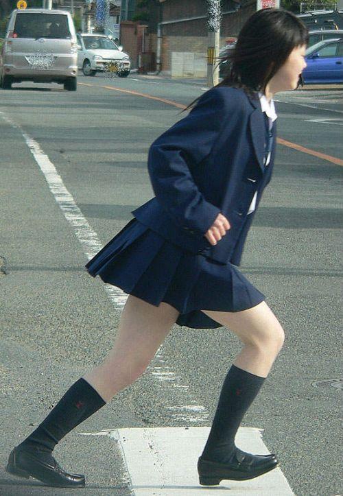 【エロ画像】JKの生脚・太ももが好き過ぎる奴ちょっと来い! No.15