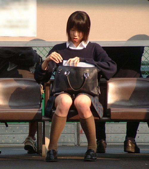 【エロ画像】JKの生脚・太ももが好き過ぎる奴ちょっと来い! No.37
