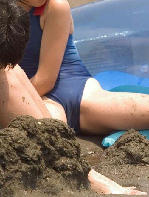 おっぱいとマンスジがエロ過ぎるビーチの盗撮画像 41枚 No.39