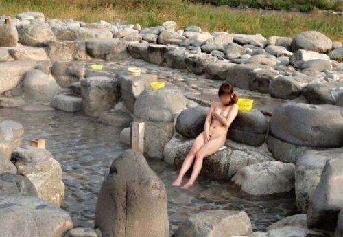 露天風呂があったら女湯を覗き見しちゃう盗撮エロ画像 38枚 No.9