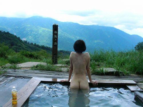 露天風呂があったら女湯を覗き見しちゃう盗撮エロ画像 38枚 No.22
