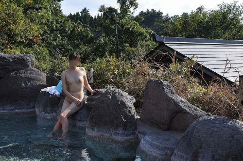 露天風呂があったら女湯を覗き見しちゃう盗撮エロ画像 38枚 No.28