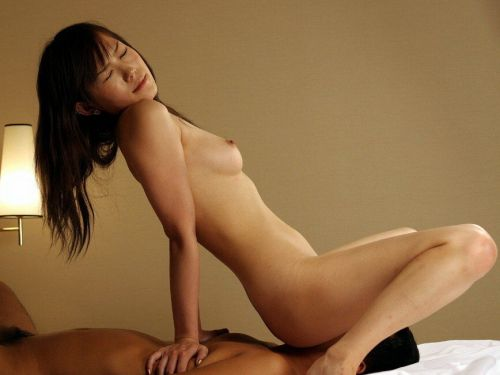 顔面騎乗位でおまんこを押し付けて快感な女の子のエロ画像 38枚 No.25