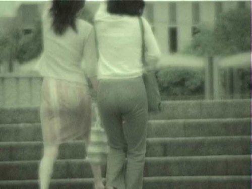【盗撮画像】赤外線カメラで素人パンティを街撮りした結果www 33枚 No.3