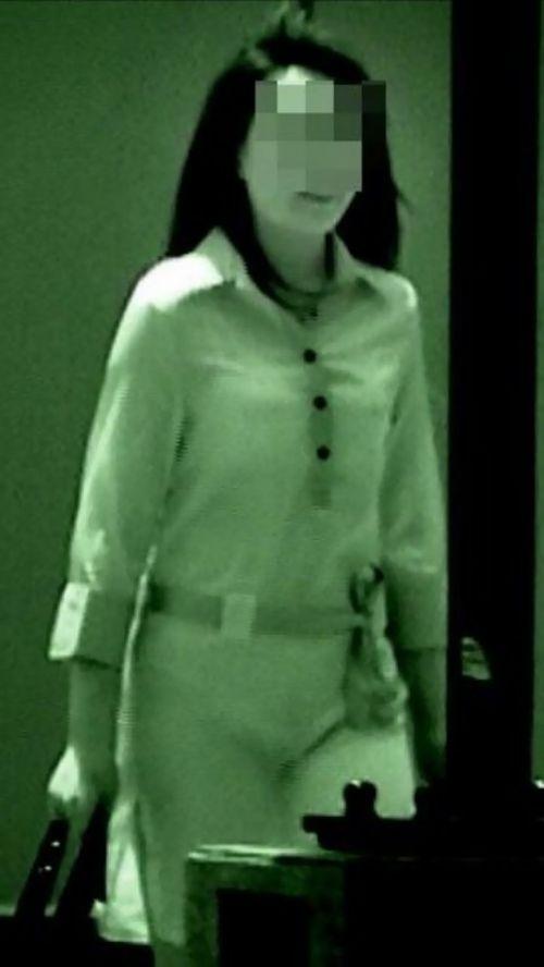 【盗撮画像】赤外線カメラで素人パンティを街撮りした結果www 33枚 No.10