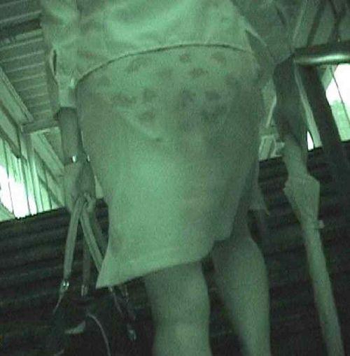【盗撮画像】赤外線カメラで素人パンティを街撮りした結果www 33枚 No.17