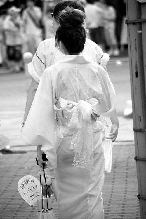 【盗撮画像】赤外線カメラで素人パンティを街撮りした結果www 33枚 No.21