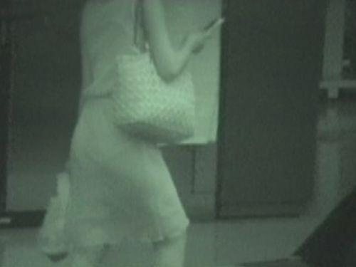 【盗撮画像】赤外線カメラで素人パンティを街撮りした結果www 33枚 No.27