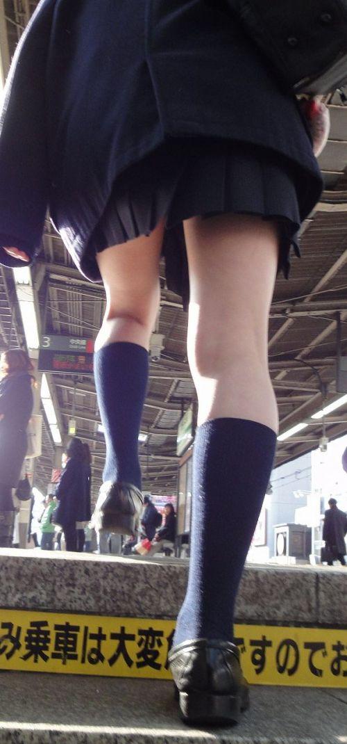 【エロ画像】ミニスカJKって斜め下からパンチラ盗撮簡単過ぎwww 40枚 part.13 No.22