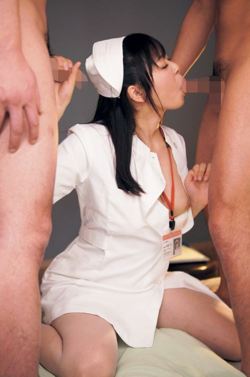 入院中に性処理のお世話で献身的にフェラしてくれるナースエロ画像 30枚 No.14
