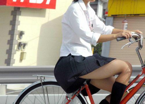 【盗撮画像】ミニスカJKが自転車乗って太ももやパンチラ見せてくる件! 38枚 part.2 No.2