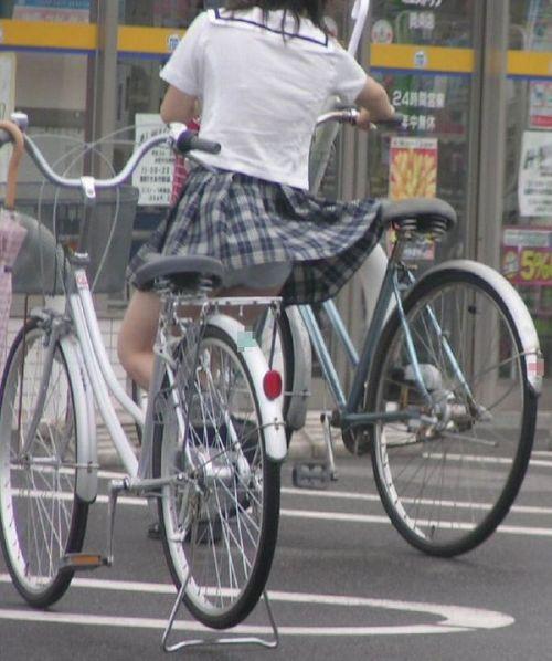 【盗撮画像】ミニスカJKが自転車乗って太ももやパンチラ見せてくる件! 38枚 part.2 No.34