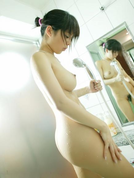 童顔で巨乳の美少女ヌードに勃起が止まらないエロ画像 38枚 No.9