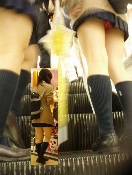 【画像】JKパンチラもが簡単に見えるエスカレーターという神スポットwww 32枚 No.10