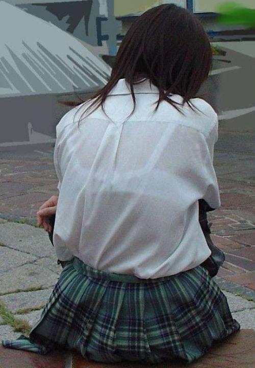 【画像】JKの透けたブラジャーとかブラ紐が青春なエロさだわww 42枚 part.11 No.18