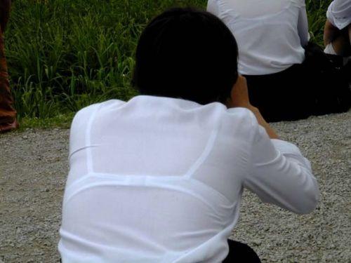 【画像】JKの透けたブラジャーとかブラ紐が青春なエロさだわww 42枚 part.11 No.19