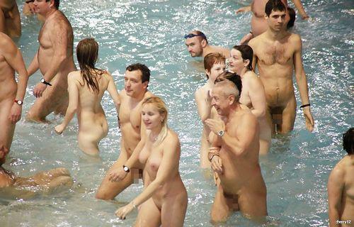 【画像】フリーダムエロなヌーディストビーチの全裸外国人が凄いw No.7