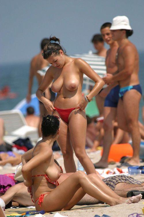 【画像】フリーダムエロなヌーディストビーチの全裸外国人が凄いw No.11