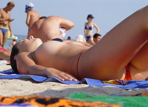 【画像】フリーダムエロなヌーディストビーチの全裸外国人が凄いw No.25