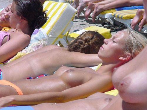 【画像】フリーダムエロなヌーディストビーチの全裸外国人が凄いw No.31