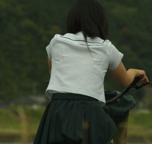 JKのオマタが自転車のサドルに乗っかってる画像でエロく妄想しようぜwww No.3