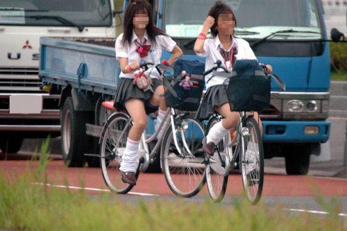 JKのオマタが自転車のサドルに乗っかってる画像でエロく妄想しようぜwww No.10