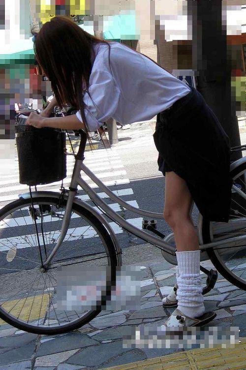 JKのオマタが自転車のサドルに乗っかってる画像でエロく妄想しようぜwww No.11