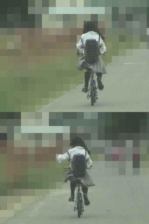 JKのオマタが自転車のサドルに乗っかってる画像でエロく妄想しようぜwww No.14