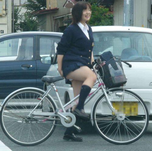 JKのオマタが自転車のサドルに乗っかってる画像でエロく妄想しようぜwww No.16