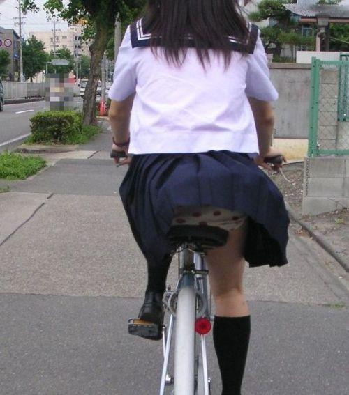 JKのオマタが自転車のサドルに乗っかってる画像でエロく妄想しようぜwww No.20