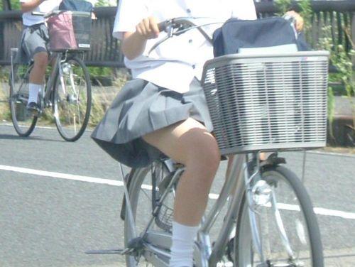 JKのオマタが自転車のサドルに乗っかってる画像でエロく妄想しようぜwww No.31