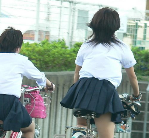 JKのオマタが自転車のサドルに乗っかってる画像でエロく妄想しようぜwww No.39