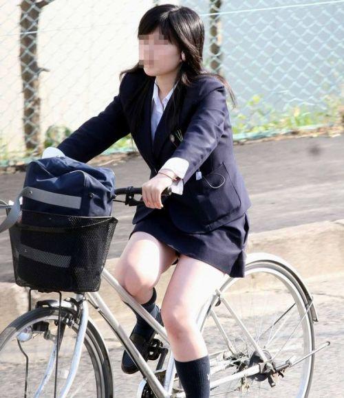 JKのオマタが自転車のサドルに乗っかってる画像でエロく妄想しようぜwww No.40