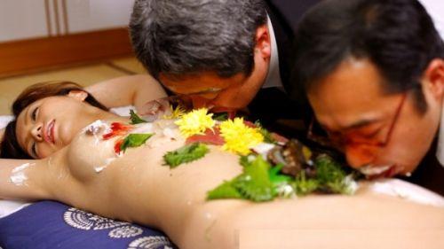 【エロ画像】食欲と性欲を同時に満たせる女体盛りを比較しようぜwww 40枚 No.6