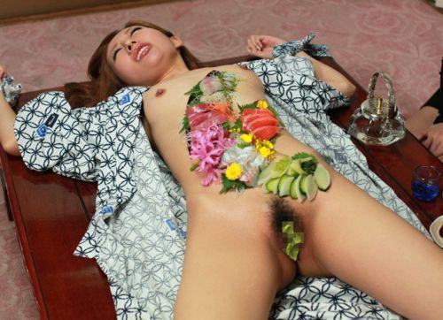 【エロ画像】食欲と性欲を同時に満たせる女体盛りを比較しようぜwww 40枚 No.9