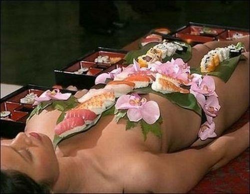 【エロ画像】食欲と性欲を同時に満たせる女体盛りを比較しようぜwww 40枚 No.14