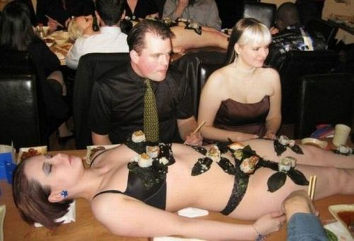 【エロ画像】食欲と性欲を同時に満たせる女体盛りを比較しようぜwww 40枚 No.30