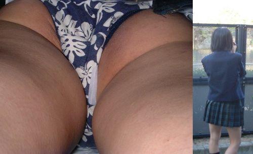 【画像】JKのミニスカの中身を超接写で逆さ撮りした結果www 35枚 part.11 No.17