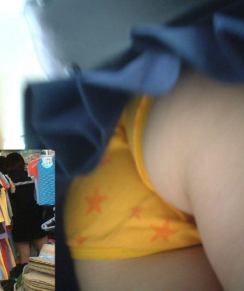 【エロ画像】ミニスカJKって斜め下からパンチラ盗撮簡単過ぎwww 43枚 part.15 No.23