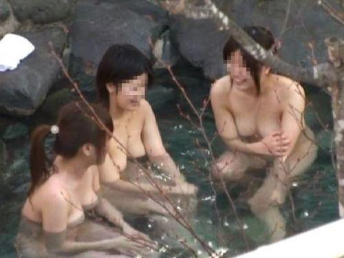 魅惑の露天風呂を望遠カメラで覗き見る盗撮画像まとめたったwww 39枚 No.1