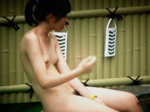 魅惑の露天風呂を望遠カメラで覗き見る盗撮画像まとめたったwww 39枚 No.34