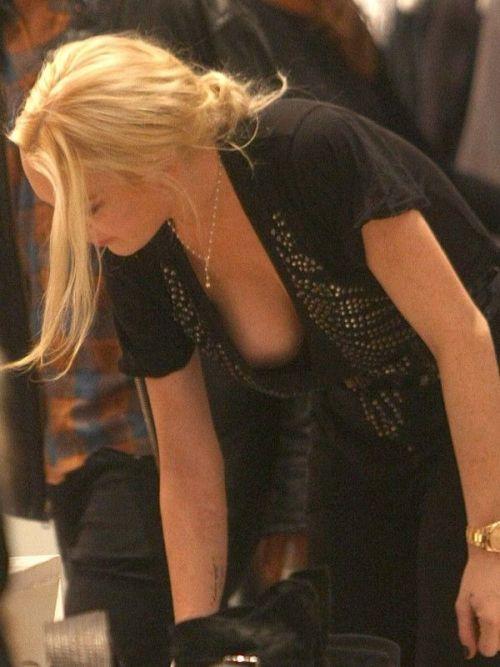 海外セレブの胸チラ画像がダイナミックで激エロなんだがwww 36枚 No.29